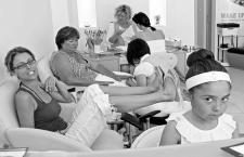 Beauty salon and spa: Why should you visit one?